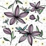 Hand-Zeichnungsfarbblumenmuster mit purpurroter Lilie und Libelle der Blume auf weißem Hintergrund Stockbilder
