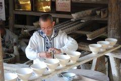 Handarbeit Chinawarewerkstatt Stockbild