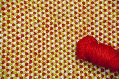 Handarbete av den blått, röd och en röd bollen för gräsplan, av royaltyfri bild