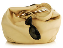 Handbag and antisun glasses Royalty Free Stock Photos