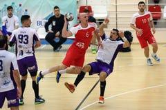 Handball - falta da ofensiva Imagens de Stock Royalty Free