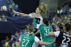 HANDBALL kobiet EHF champions league DEFINITYWNY †'GYORI AUDI ETO KC vs CSM BUCURESTI Zdjęcia Royalty Free