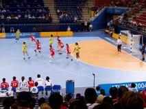 Handbalvrouwen 17 de Olympische Spelen van Zuid- augustus 2004 Korea-Denemarken (score 29-29) stock afbeeldingen