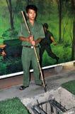 Handboken visar Vietcong rullningsfälla arkivfoton