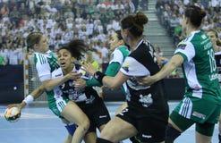 """HANDBOLLKVINNOR EHF KÄMPAR FÖR SISTA †""""GYORI AUDI ETO KC för LIGAN vs CSM BUCURESTI royaltyfri fotografi"""