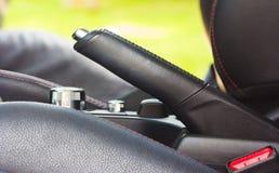 handbrake αθλητικό όχημα ταχύτητας δέρματος αυτοκινήτων στο εσωτερικό εσωτερικό στοκ φωτογραφία με δικαίωμα ελεύθερης χρήσης