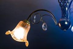 Handcrafted ljuskrona i turkhem Royaltyfria Bilder