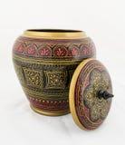 Handcrafted träantikvitet målad smyckenask Arkivbild