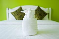 Handdoek in de Groene Slaapkamer Royalty-vrije Stock Afbeelding