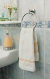 Handdoek op het rek Royalty-vrije Stock Foto