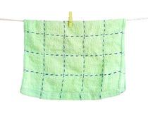 Handdoek op kabelwasknijpers Royalty-vrije Stock Afbeeldingen