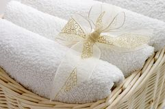Handdoeken in de mand Royalty-vrije Stock Afbeelding