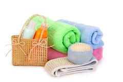 Handdoeken en shampoo Royalty-vrije Stock Afbeeldingen