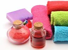 Handdoeken en zepen Stock Foto's