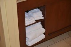 Handdoeken in Hotelzaal royalty-vrije stock afbeeldingen