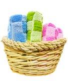 Handdoeken in Rieten Mand IV Stock Fotografie