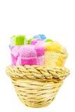 Handdoeken in Rieten Mand V Stock Afbeelding