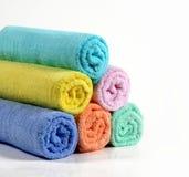 Handdoeken in verschillende kleur Stock Afbeelding