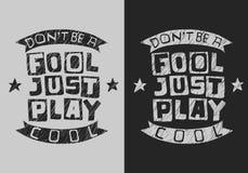 Handdrawn Artistiek Typografisch Motievendouanetype van de T-stukdruk Ontwerp Ben geen Koel Dwaas enkel Spel schetsmatig vector illustratie