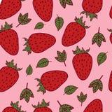 Handdrawn truskawkowy bezszwowy wzór na różowym tle royalty ilustracja