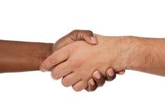 Handdruk tussen rassen Royalty-vrije Stock Foto