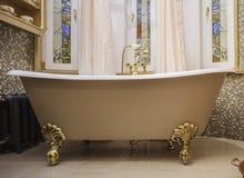 handduk för badrumbunkeinterior Royaltyfri Bild