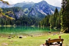 Handduk sjö, Dolomites, Italien Arkivfoto