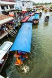 Handelaar op boot en toerist Royalty-vrije Stock Afbeelding