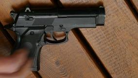 Handeldvapen på tabellen