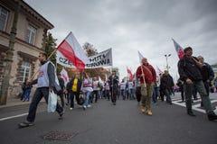 Handelfackföreningsmedlemmar under en demonstration i Warszawa - Polen Arkivbild