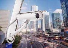 Handeln Sie Überwachungskameraüberwachung CCTV auf Straße in der Stadt Lizenzfreie Stockbilder