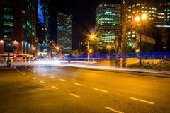 Handeln Sie auf atlantischer Allee nachts, nahe Rowes-Kai in Boston, Stockbild