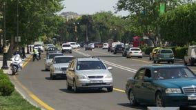 Handeln Sie auf den Straßen von Baku, Aserbaidschan stock video footage
