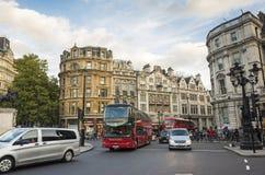 Handeln Sie auf Straße in der Stadt von London Großbritannien Lizenzfreie Stockbilder