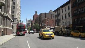 Handeln Sie das Fahren durch die Straßen von Manhattan, New York City, USA stock video footage
