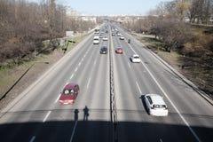 Handeln Sie in der Stadt, die von der Brücke gesehen wird Lizenzfreie Stockbilder