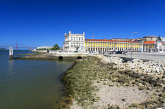 Handels-Quadrat in Lissabon lizenzfreie stockfotografie