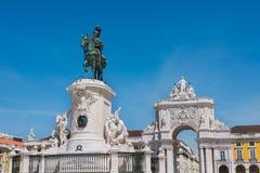 Handels-Quadrat und Statue von König Jose Lisbon Portugal Lizenzfreie Stockfotos