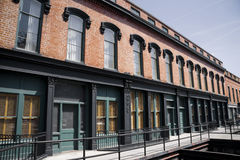 Handelsgebäude und Wohnungen Lizenzfreies Stockfoto