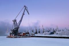 Handelshafen in Murmansk, Kola Peninsula, Russland Lizenzfreie Stockbilder