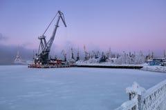 Handelshafen in Murmansk, Kola Peninsula, Russland Lizenzfreie Stockfotografie