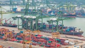Handelshafen von Singapur-timelapse Vogelaugenpanoramablick des beschäftigtsten asiatischen Frachthafens stock video footage