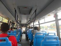 Handelsresande i en buss Arkivbilder