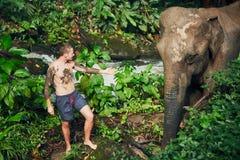 Handelsresande med elefanten arkivfoto