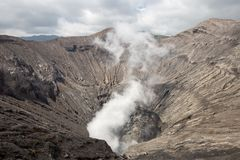 Handelsresande och dunst av vulkan royaltyfria foton