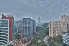 handelzaken en een industriezone bij HK stock foto's