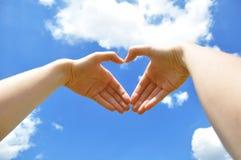 Handen die hart vertegenwoordigen royalty-vrije stock foto's