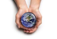 Handen die voor de Aarde geven Royalty-vrije Stock Foto's