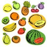 Handen dragen färg skissar av frukter, den uppsättning isolerade vektorn Variation av tropiska frukter med svart kontur royaltyfri illustrationer
