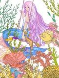 Handen drog sjöjungfrun med långt rosa hår i den undervattens- världen Arkivfoton